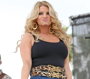jesssimpson splash news Is the Jessica Simpson fat hype over the top?